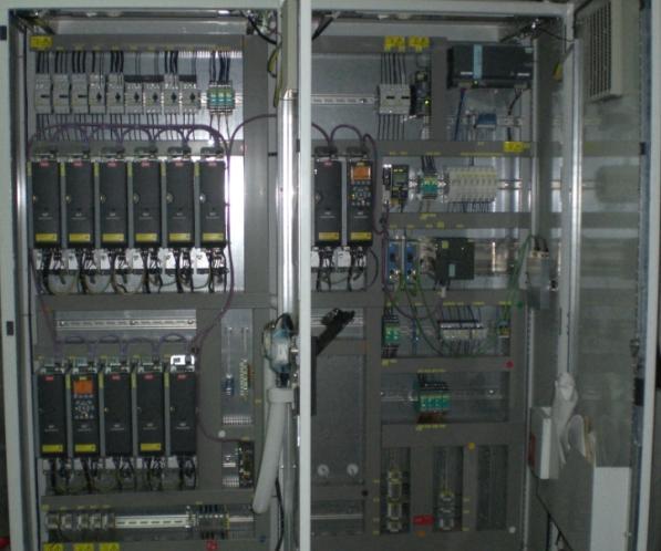 Lắp đặt hệ thống điện công nghiệp và điều khiển.