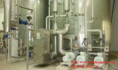 Lắp đặt hệ thống đường ống steam.